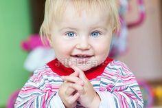 Пальчиковые игры для малышей до года + стишки для изучения частей тела и лица | Жили-Были