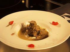 Le Strade della Mozzarella. Ciccio Sultano raccontato da Antonio Catalano.  http://www.ditestaedigola.com/lsdm-2015-ciccio-sultano-e-il-carciofo-in-brodo-di-pollo-e-marsala-dal-cuore-di-mozzarella-di-bufala-campana-dop-la-ricetta/