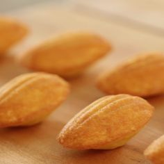 Foolproof Madeleine Recipe - Recipe Videos by Entertaining with Beth muffin vegan muffin recipe muffin Madelines Recipe, Vegan Madeleines Recipe, Madeline Cookies Recipe, Cookie Recipes, Dessert Recipes, Cake Servings, Macaron, Easter Recipes, Decorated Cookies
