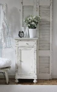 4 Fascinating Tips: Shabby Chic Furniture Turquoise shabby chic chairs birthday parties.Shabby Chic Garden French shabby chic bathroom on a budget.Shabby Chic Home Chandeliers. Shabby Chic Mode, Modern Shabby Chic, Shabby Chic Bedrooms, Shabby Chic Kitchen, Shabby Chic Cottage, Shabby Chic Style, Shabby Chic Furniture, Shabby Chic Decor, Vintage Shabby Chic