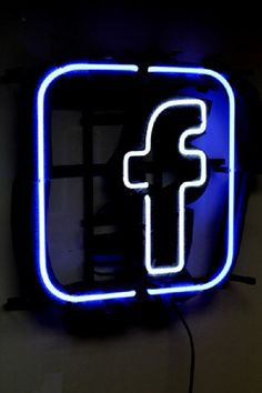 Brand New Facebook Logo Neon Light Sign 16x 16Perfect to display in your Bar, Pub, Restaurant, RoomThis neon is absolutely a surprising gift to anyone!Good for home decoration and personal collection!Can put in your room or hang it over on the wall. For car dealer or bar club, it is so at