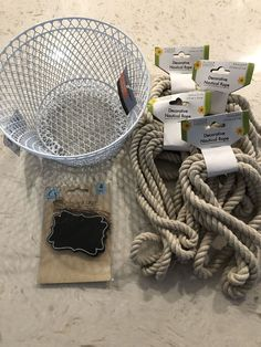 Dollar Tree Baskets, Dollar Tree Decor, Dollar Tree Store, Dollar Tree Crafts, Dollar Stores, Rope Basket, Wire Baskets, Tree Rope, Diy Cadeau Noel