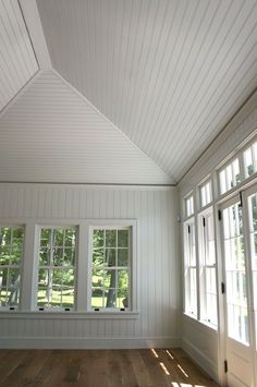I love the beadboard panels on vaulted ceiling. I want this in my house! I love the beadboard panels on vaulted ceiling. I want this in my house! Shiplap Ceiling, Plank Ceiling, Vaulted Ceiling Bedroom, Vaulted Ceilings, Sloped Ceiling, Bead Board Walls, Bead Board Ceiling, Sunroom Decorating, Decorating Ideas