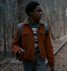 Things outfit 17 Stranger Things Halloween Costumes, Since You'll Be Seeing Them Everywhere This Year We know you love Stranger Things. Here are the Stranger Things costumes you& be seeing everywhere this Halloween. Serie Stranger Things, Stranger Things Characters, Stranger Things Steve, Stranger Things Aesthetic, Stranger Things Season 3, Stranger Things Netflix, Dan Cohen, Stranger Things Halloween Costume, Halloween Costumes