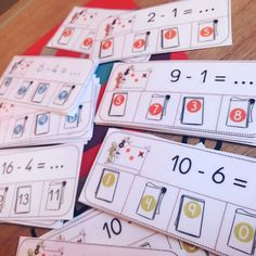Ateliers soustractions : cartes à pince Math Gs, Coaching, Montessori Math, Carpentry Projects, 1st Grade Math, Math For Kids, Addition And Subtraction, Home Schooling, Homeschool Curriculum