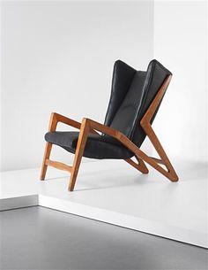 Ginluigi Banfi, Lodovico Belgiojoso, Enrico Peressutti & Ernesto Nathen Rogers Attributed; Leather and Walnut Lounge Chair for Studio BBPR, 1950s.