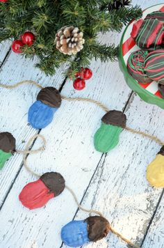 Christmas light cookies - super cute and clever!