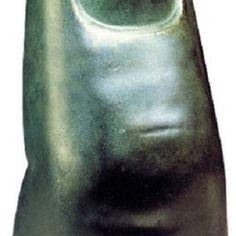 """Skulptur """"Der Kleine Finger der Bavaria"""" von Ludwig von Schwanthaler - Hannover - Skulpturen › Kunstplaza, http://www.kunstplaza.de/online-galerie/"""