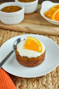 Treat yourself to one of these delicious Mini Carrot and Orange Cake - a perfect treat for only 3 syns per cake. Slimming World Vegetarian Recipes, Slimming World Desserts, Slimming World Carrot Cake, Slimming Recipes, Mini Carrots, All Bran, Slimming Eats, Fancy Cakes, Weight Watchers Meals