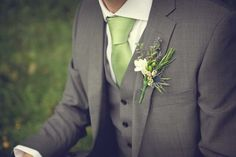 1940s inspired bridal look  | adore the beautiful wild-flower button-hole...