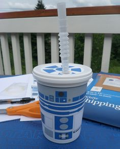 Let the kids make R2-D2 cups to take home at your library event!