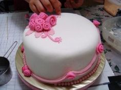 cake decorating with filling and fondant