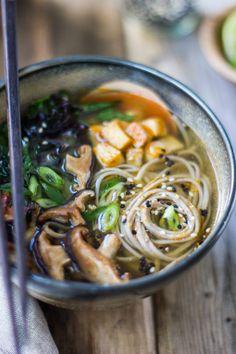 #Recipe / Miso and Soba Noodle Soup with Roasted Sriracha Tofu and Shiitake Mushrooms