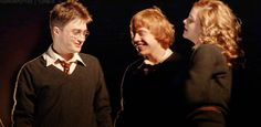 Harry Potter, Ron Weasley and Herimione Granger Harry James Potter, Ron And Harry, Harry Potter Draco Malfoy, Harry Potter Hermione, Harry Potter Fan Art, Harry Potter Universal, Harry Potter Characters, Harry Potter World, Ron Weasley