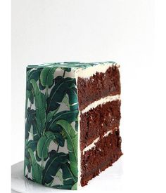 Ready for a stunning and seriously delicious DIY? This wallpaper cake is sure to make an impact at your next party.