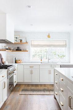 This stunning all-white kitchen renovation was totally worth Farmhouse Style Kitchen, Modern Farmhouse Kitchens, Home Decor Kitchen, Rustic Kitchen, Kitchen Interior, Home Kitchens, Kitchen Ideas, Decorating Kitchen, Kitchen Modern