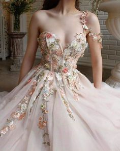 Details - Havana cream color - Tulle fabric - Handmade embroidered different kind field colorful flowers and leaves - Ball-gown, v-neck and an open leg - For special occasions Pretty Prom Dresses, Elegant Dresses, Cute Dresses, Beautiful Dresses, Quince Dresses, Ball Dresses, Evening Dresses, Royal Dresses, Fantasy Gowns