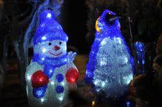 Lovely bright snowmen