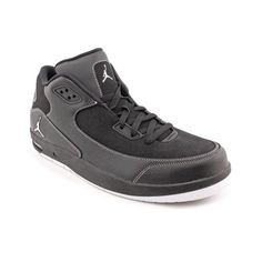 Take your game into overtime with the Nike Jordan After Game shoes. These basketball shoes feature a synthetic leather upper with breathable perforations and a reinforced heel counter. A padded collar and tongue provide extra support. The pivot point on the outsole offers superior performance on the court for quick stops and turns.