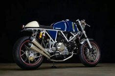 The feature of the day is 'Riviera' Ducati SS Cafe Racer, a fusion of modern and classic built by master craftsman Walt Siegl. Ducati Cafe Racer, Inazuma Cafe Racer, Cafe Racer Motorcycle, Cafe Racers, Women Motorcycle, Motorcycle Helmets, Motorcycle Engine, Motorcycle Quotes, Ducati Supersport
