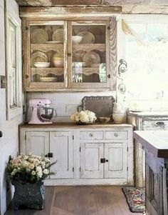 Gorgeous mismatching kitchen pieces