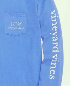 Vineyard vines T-shirt/ Christmas list ✔️