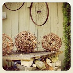 Outstanding tutorial for making these grapevine balls yourself, and lighting…