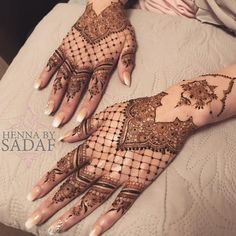 he left all bruises on ma neck Henna Designs For Kids, Pretty Henna Designs, Modern Henna Designs, Finger Henna Designs, Stylish Mehndi Designs, Bridal Henna Designs, Dulhan Mehndi Designs, Mehndi Designs For Fingers, Beautiful Mehndi Design