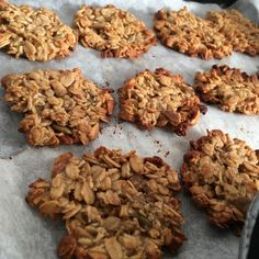 簡単!ヘルシー!ざくざくが美味しいオートミール&おから粉のクッキー | 《食育✕香育✕コミュ育》で薬や病院に頼り切らない!ママが家族のセラピスト Paleo Recipes, Low Carb Recipes, Cookie Box, Almond, Oatmeal, Stuffed Mushrooms, Sweets, Vegan, Cookies
