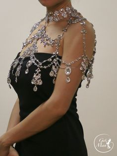 Beauty Of Bridesmaid Jewelry Shoulder Jewelry, Shoulder Necklace, Wedding Accessories, Jewelry Accessories, Jewelry Design, Bridesmaid Jewelry, Bridal Jewelry, Boutiques, Fantasy Jewelry