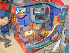 Mike the Knight - Mike's Mission Room playset Mike The Knight, New Toys, Frosted Flakes, Knights, Room, Bedroom, Knight, Rooms, Rum