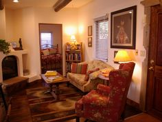 VRBO.com #450587 - Charming Taos-Style Bungalow Centrally Located to All Attractions