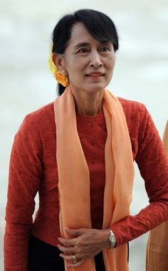 Aung San Suu Kyi: As an opposition leader in Myanmar, this freedom fighter was awarded the Nobel Peace Prize for her work for democracy and human rights, even while under house arrest for most of the last two decades. Myanmar Women, Burma Myanmar, Regimen Militar, National League For Democracy, Democracy And Human Rights, Inspirational Leaders, Brave Women, Nobel Peace Prize, Global Citizen