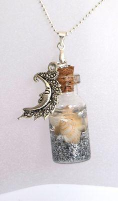 Pendentif fiole en verre plage argenté, pendentif bouteille en verre, vial, coquillage et sable, : Pendentif par decocadeaux