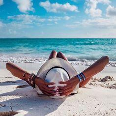 BEACH ideas para tomarse fotos en la playa How Pool Cleaning Robots Can Work You It used Poses Photo, Picture Poses, Picture Ideas, Photo Shoot, Beach Bum, Summer Beach, Summer Art, Beach Relax, Playa Beach