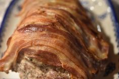 Nakkesteg stegt som vildt med bacon og flødesauce