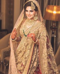 The inside scoop on all the latest Indian bridal style and fashion for our stunning Indian brides! Indian Bridal Lehenga, Pakistani Bridal Dresses, Pakistani Wedding Outfits, Bridal Outfits, Wedding Dresses, Hindu Girl, Bridal Looks, Bridal Style, Sikh Bride