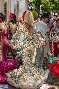 Amdrew Pocrid Spanish Dress, Spanish Fashion, Evening Dresses, Formal Dresses, Dance Pictures, Dress Skirt, Street Style, Costumes, Boho