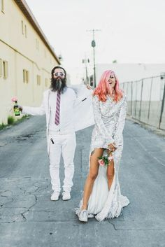 guest lists. No, they were more concerned with Champagne, sunshine, and getting matching tattoos. Rock n Roll Bride featured the pair's Las Vegas wedding, and it showed us all what getting married in style really means.
