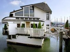 Would love to live in a Sausalito houseboat.
