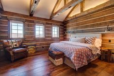 This rustic mountain ski house in Vermont was designed by Vermont Barns along with NK Home Interior Design. Bedroom With Bath, Master Bedroom Interior, Modern Bedroom Design, Interior Design Shows, Interior Designing, Beautiful Bedrooms, Decoration, Rustic Homes, Rustic Farmhouse