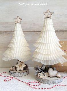 Tutti guardano le nuvole: Paper Christmas Trees