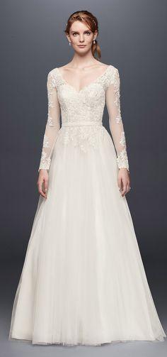 Long Sleeve Wedding Dress With Low Back | David's Bridal Spring 2017 @davidsbridal #davidsbridal #wedding #weddingdress #sleeves