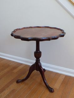 Antique Queen Anne Style Pie Crust Parlor Tilt Top Tripod Side Table - Scalloped Edge - Chippendale Victorian Table - Red Mahogany Furniture