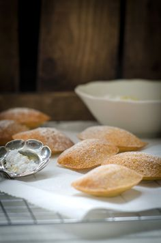 Lemon and Vanilla Madeleines - ah, I must try this recipe!