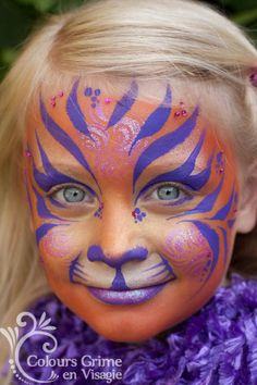 only needs some sparkels! Bunny Face Paint, Cool Face Paint, Face Painting Designs, Body Painting, The Face, Face And Body, Tiger Face Paints, Cheek Art, Make Up Art