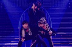 Daesung, TOP, GD, and Seungri gif of 2NE1 I am the best