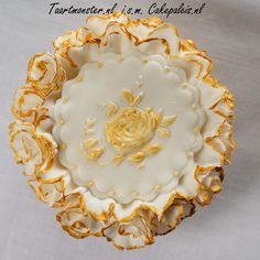 Cupcake Mould - Victorian Garden 1 Like it as much as I do? You can buy the mold at shop.taartmonster.nl