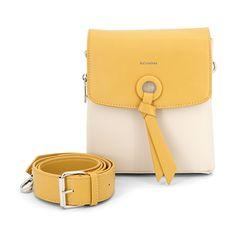 Diese süße Tasche gibt es auch in marine/weiß! Als Umhängetasche ein wahrer trendiger Begleiter. Feminin und stylisch - was will Frau mehr!  #trends#bags#tasche#crossbodybag#fashion#mode#blogger#italy#musthave#hochzeit Card Case, Trends, Bags, Fashion, Fashion Styles, Cute Bags, Artificial Leather, Tutorials, Woman