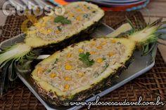#BomDia! Delicia nota 10 para o #almoço de domingo, super fácil e tem lindo visual, é o Peito de Frango Cremoso no Abacaxi!  #Receita aqui: http://www.gulosoesaudavel.com.br/2016/05/06/peito-frango-cremoso-abacaxi/